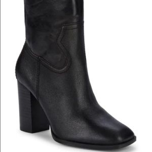Nero Square-Toe Leather Ankle Boots